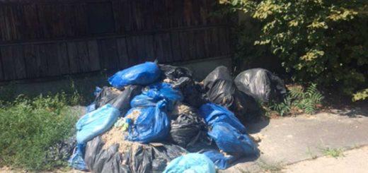 Hajtány sor időtálló zsákos hulladéklerakata