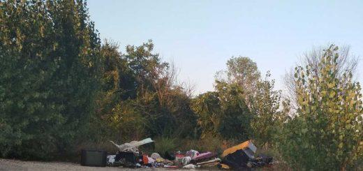 Hosszúréti - patak hulladéklerakata Törökbálinton