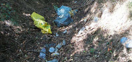 Nádudvar külterület: hulladékkal beszennyezve