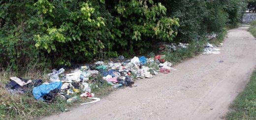 Kassai út sínjein túl hulladéklerakat