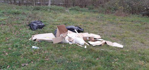 Modellező repülőtér melletti hulladéklerakat