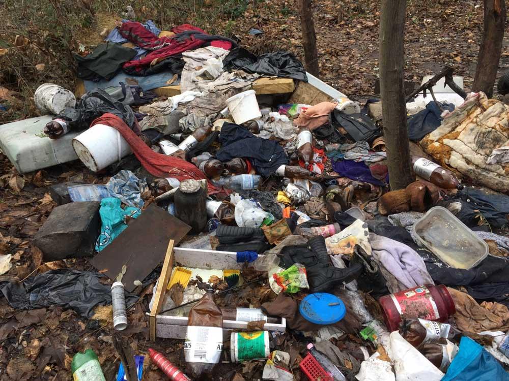 Hányféle hulladék lehet ezen a képen?