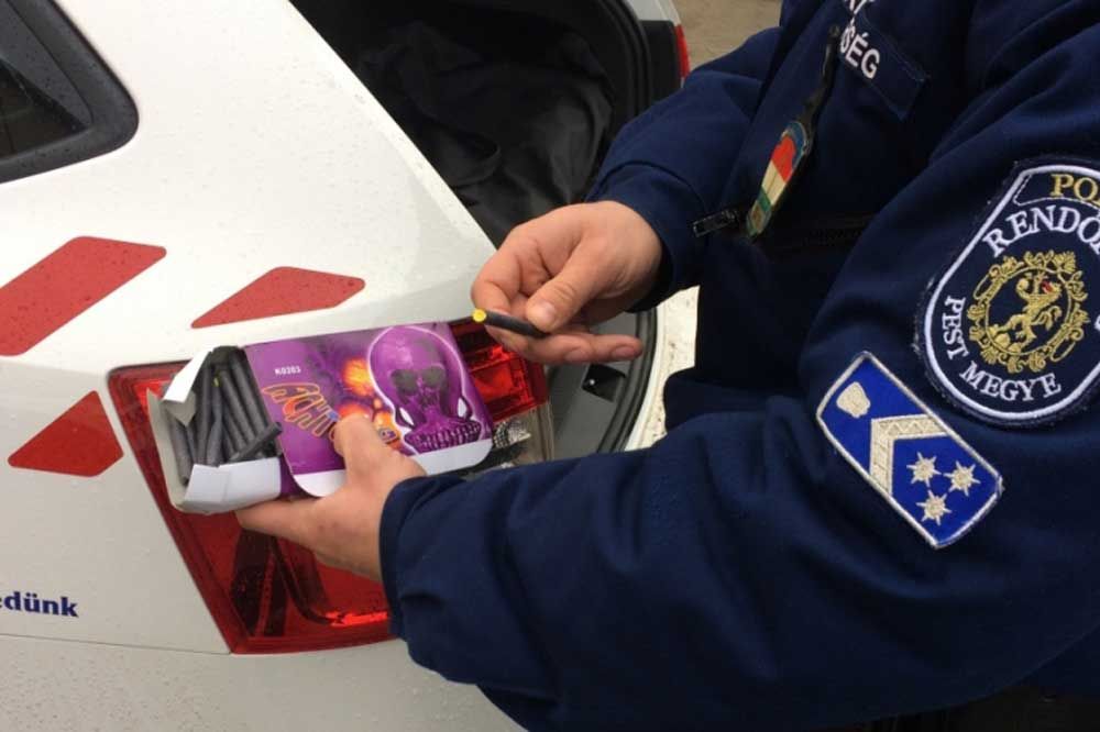 Magánszemély petárdát nem birtokolhat a hatályos jogszabályok szerint. / Fotó: police.hu