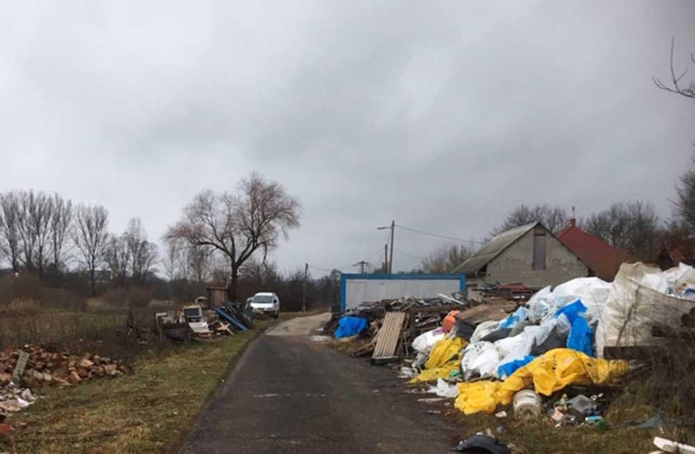Így néz ki egy illegális hulladéklerakó telep, de vajon meddig üzemelhet zavartalanul?
