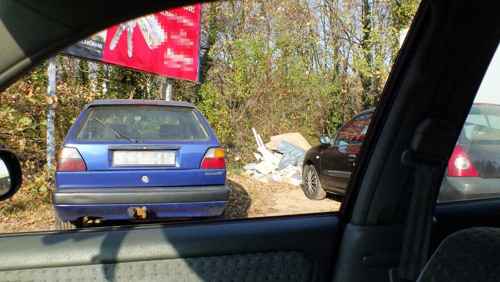 A György utca 84-es szám és a Palotai Külső határ út 137. számnál kialakult hulladéklerakat.