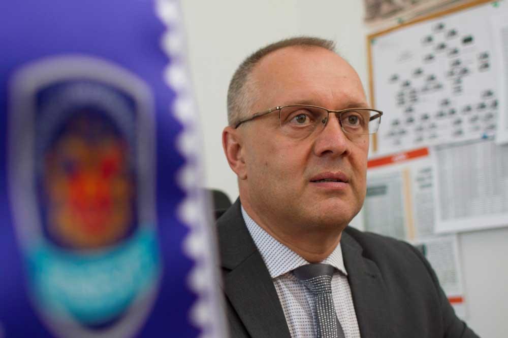 Kovács László, Miskolci Önkormányzati Rendészet igazgatója vérbeli hulladékvadász. / Fotó: mior.hu