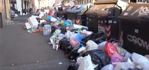 Róma utcáit elborítja a szemét