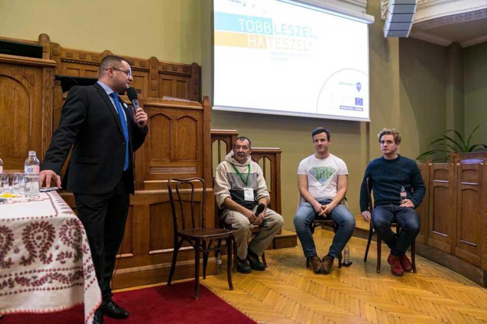 Balról jobbra: moderátor, Lehóczki László, Szebenyi Péter és Vecsei H. Miklós. / Fotó: Kékesi Donát