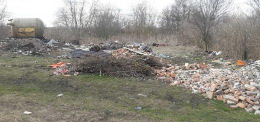 Ikva patak mellé hordott építési hulladék | Fertőd