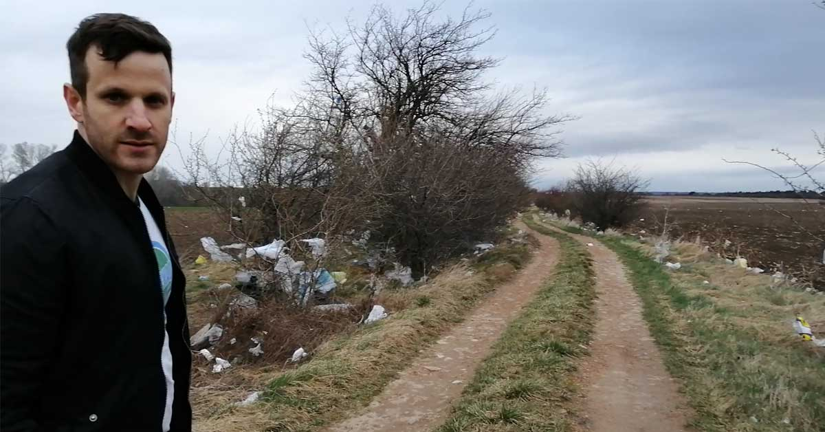 Műanyag zacskó katasztrófa Budapest mellett. A helyszínről készült videó elérhető a képre kattintva.