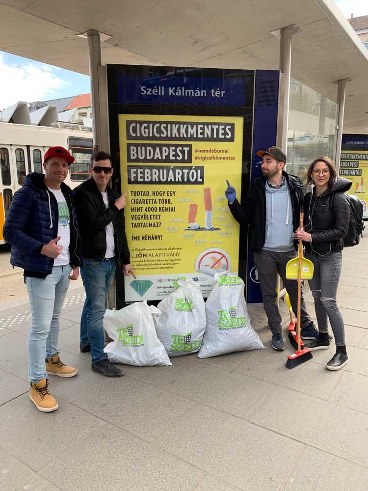 Cigicsikkmentes TeSzedd alkalmával a JÖN Alapítvány három szemeteszsáknyi cigicsikktől szabadította meg a teret. / Fotó: hulladekvadasz.hu