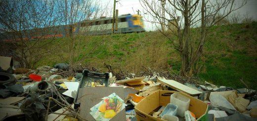 Félezer tonna hulladékot takarított el idén a MÁV