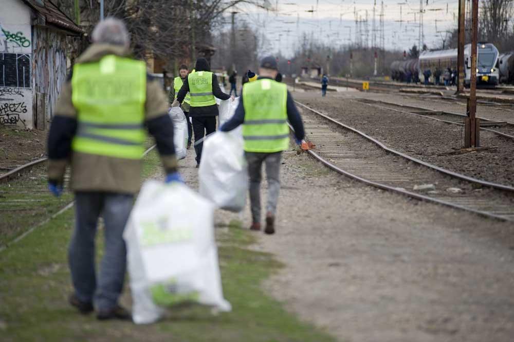 A vasúttársaság dolgozói aktív részvevői az országos Teszedd eseménynek. / Fotó: mavcsoport.hu