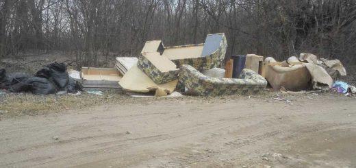 Vácrátót határába hordott hulladék