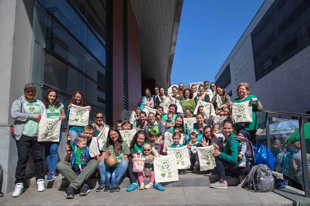 Csomagolásmentes májusi flashmob Debrecenből. / Fotó: Andráska Nikoletta